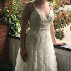 Melissa Sweet WEDDING DRESS Size 8, never worn!